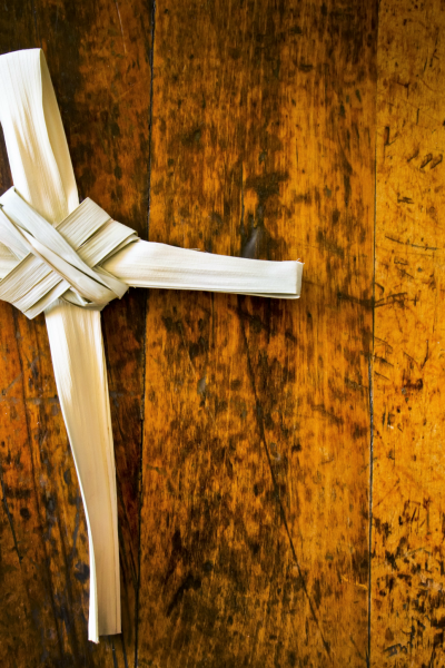 how to make a cross out of palm leaves