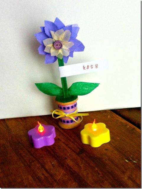 DIY Wedding Week - Spool and Paper Flower Place Card Holders - CreativeCynchronicity.com