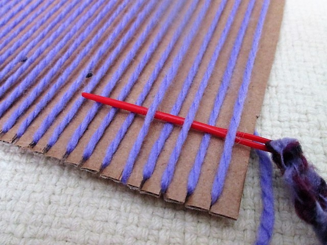 easy weaving using plastic needle