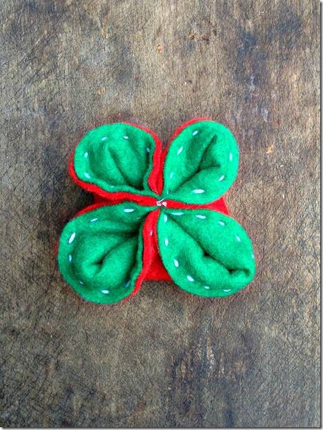 Felt Christmas Ornament Tutorial