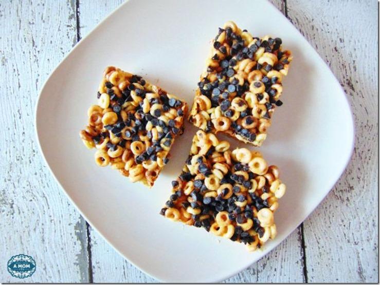 Peanut-Butter-and-Chocolate-Cheerios-Marshmallow-Treat