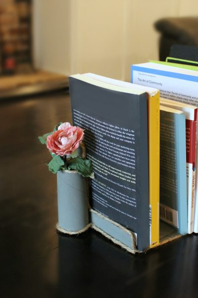 DIY Bookends made with cardboard