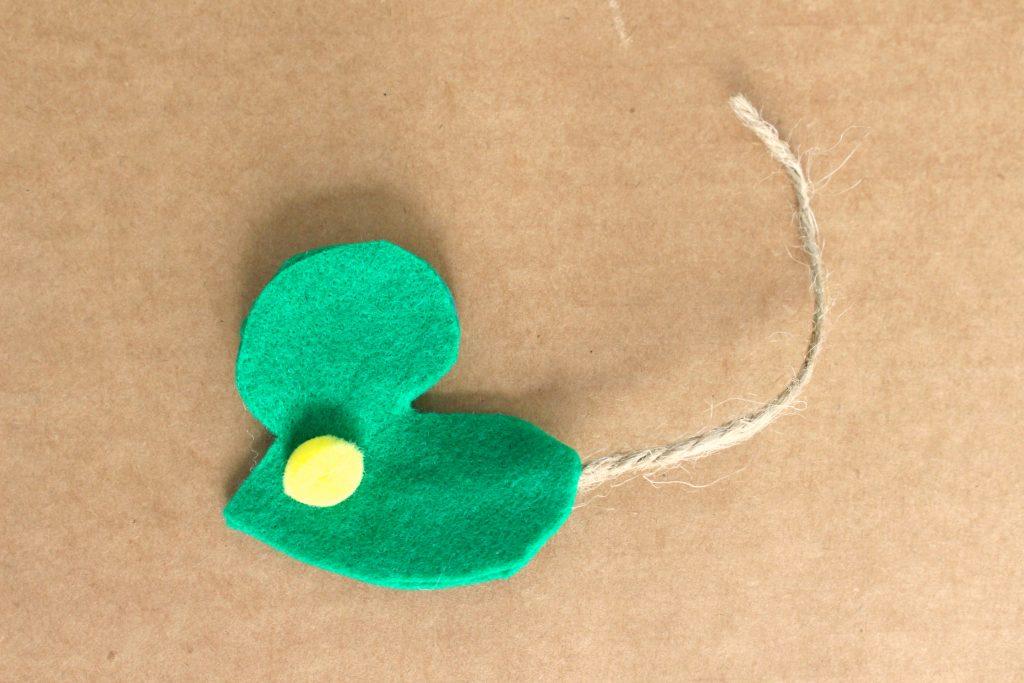 DIY felt mouse craft