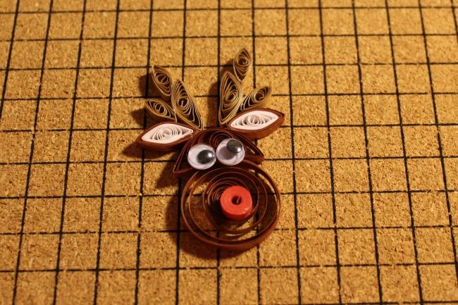 paper quilled reindeer